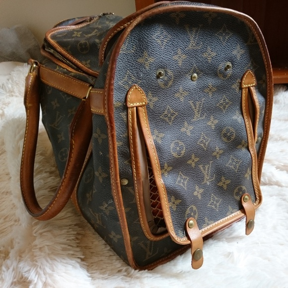 a503f9292c4 Louis Vuitton Handbags - Vintage LV dog carrier 40